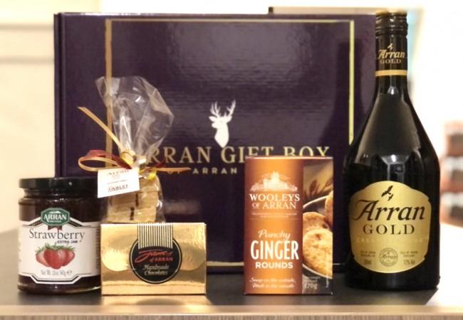 Deluxe Arran Gold Treat Gift Box