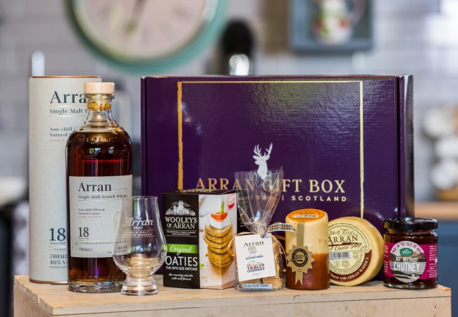 Deluxe Whisky Lover (18 Year Old Malt) Arran Gift Box